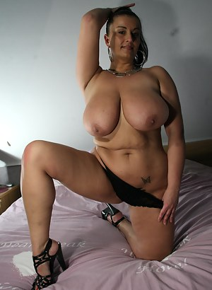 Big Boobs Bedroom Porn Pictures